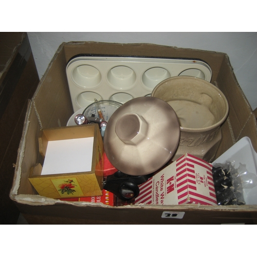 38 - COLLECTION OF KITCHENWARE AND OTHER CHINA TO INCLUDE BLUE & WHITE PLATES^ A RUMTOPF JAR^ SCISSORS ET...