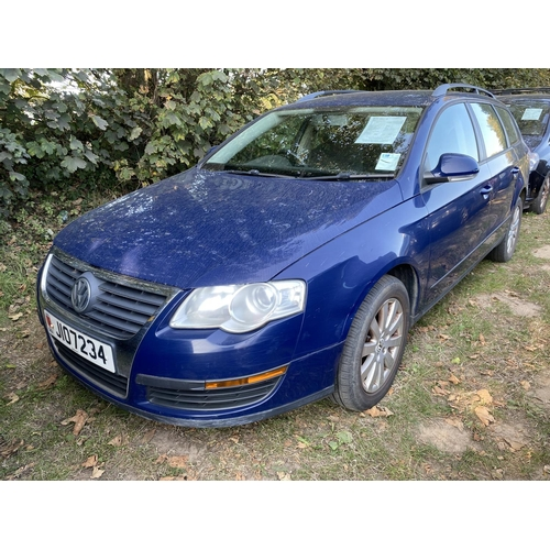 14 - A 2007 Volkswagen Passat S 1.9 TDi estate (manual) J107234, odometer reading 69,434 miles...
