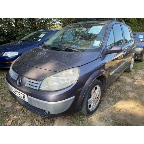 19 - A 2005 Renault Scenic Privilege 1.6 MPV (manual) J80978, odometer reading 52,467 miles...