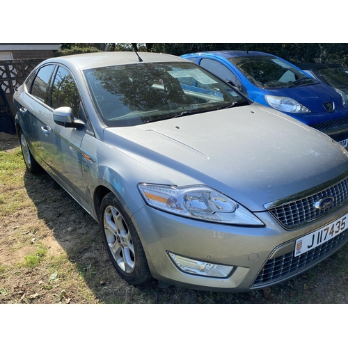 7 - A 2010 Ford Mondeo Titanium 2.0 TDCi five door hatchback (manual) J117435, odometer reading 148,062 ...