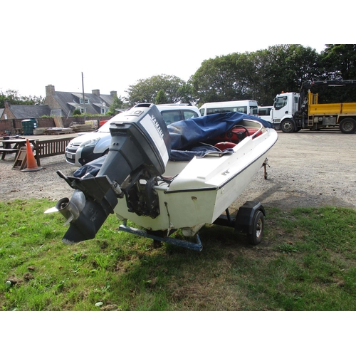 28 - A Driver 440 sports boat JY861 with Yamaha 80hp outboard engine and trailer