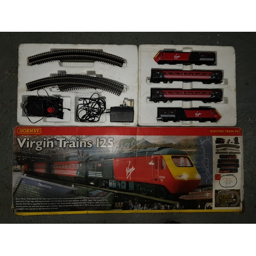 19 - Virgin Trains 125 set...