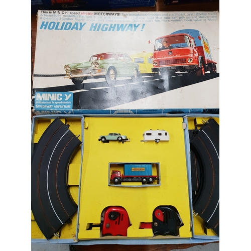 176A - Triang Minic Motorways Holiday Highway set...
