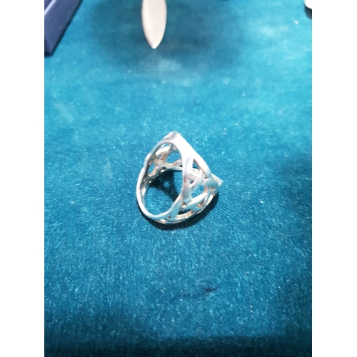 210 - 925 Silver scarf ring...