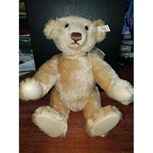 36 - Stieff Bear 655524...
