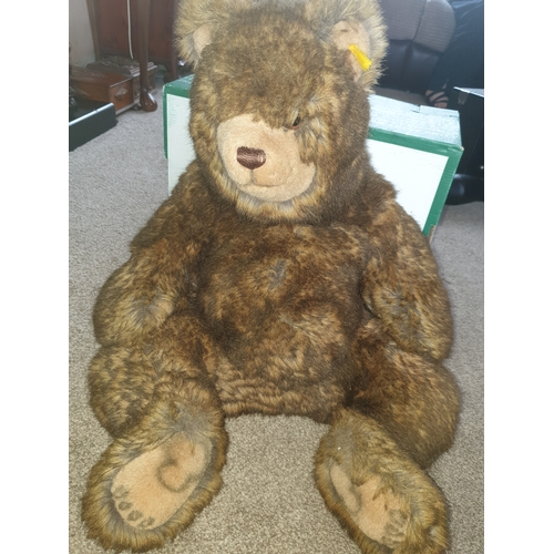 37 - Very large Stieff Bear 18