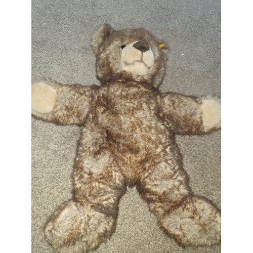39 - Stieff Bear 12