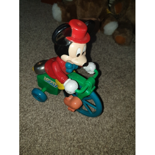 82 - 70s clock work Mickey Mouse...