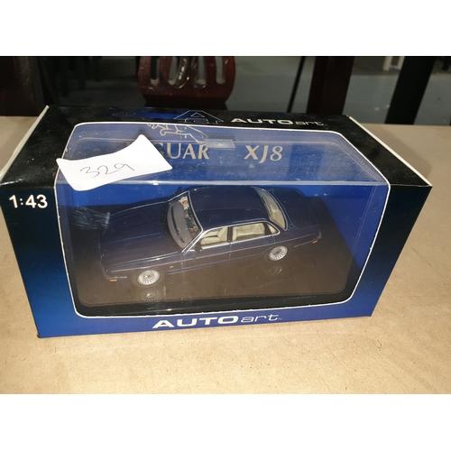 329 - Auto Art 1:43 Jaguar 8...