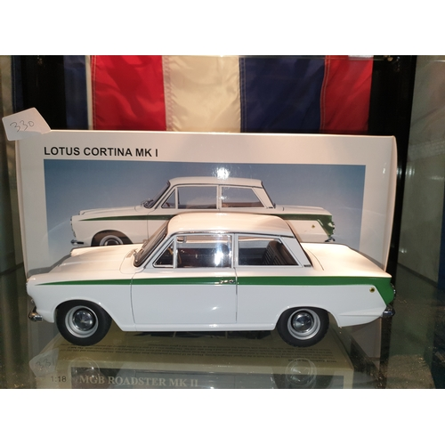 330 - Auto Art 1:18 Lotus Cortina MK1...