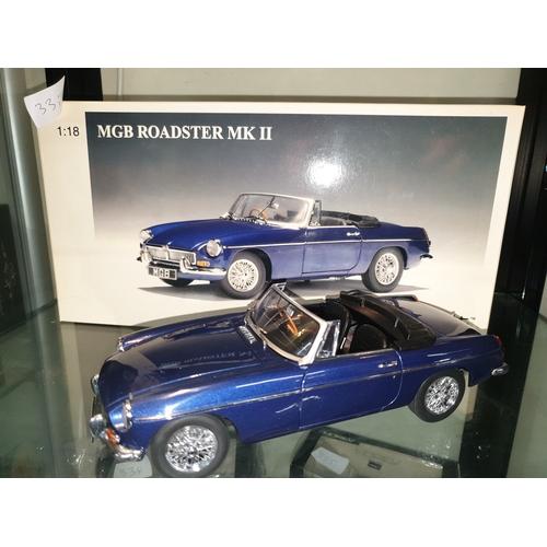 331 - Auto Art 1:18 Mgb Roaster MKII...