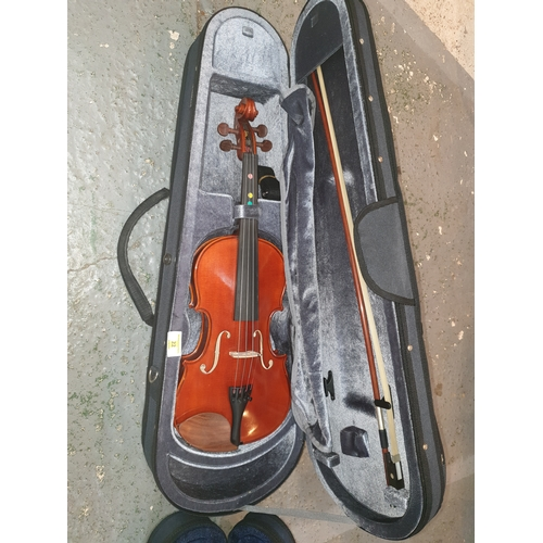 22 - Yamaha V5 4/4 Full Size Violin with Case and Bow...
