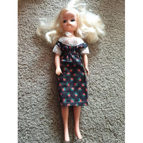 34 - Vintage Sindy Doll...