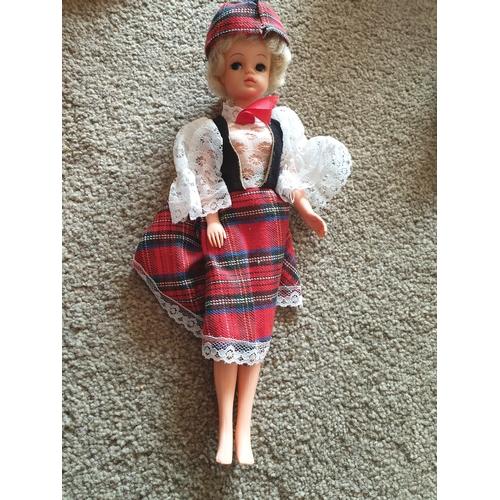 37 - Vintage Sindy Doll...