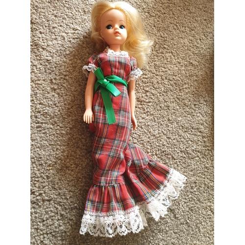 38 - Vintage Sindy Doll...