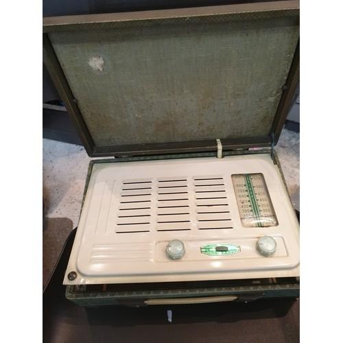 11 - Vidor Vintage radio...