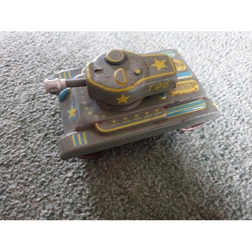 111 - small vintage tinplate clockwork tank...
