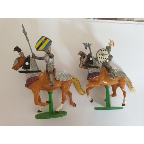 63 - Britains Knights...