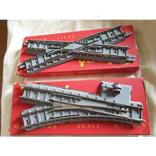 374 - TRIANG GREY SERIES 2 TRACK 2x POINTS R101 & R100 excellant condition...