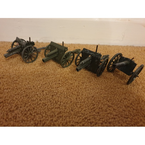 417 - 4 x Britains canons...