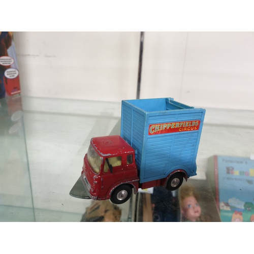 477 - Corgi toys no 503 circus giraffe transporter...