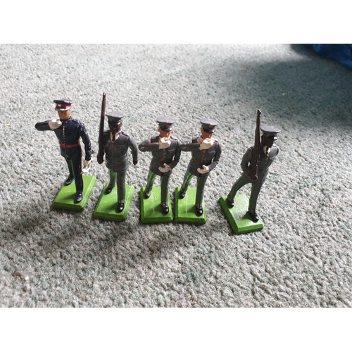66 - Britains Metal Marines...