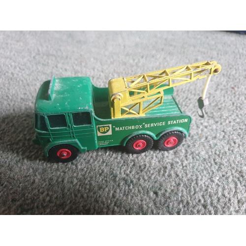 557 - Matchbox Lesney King Size BP Tow Truck No.12...