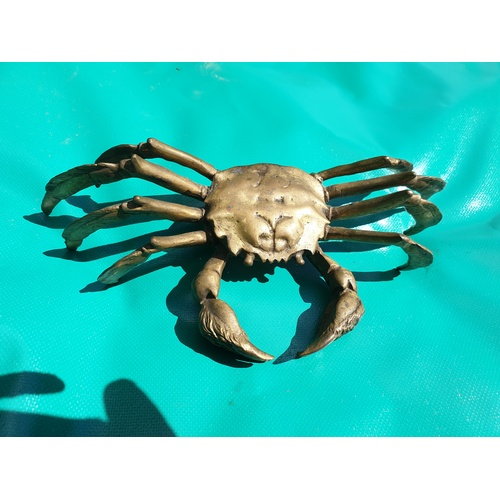 278 - Heavy brass crab 10