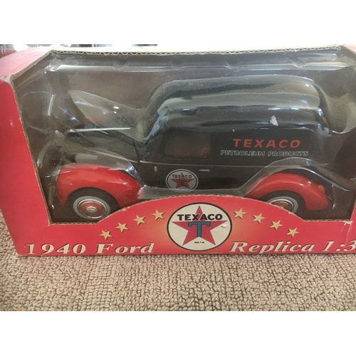 606 - Texaco ford v8 van...