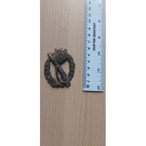 217 - German WW2 troopers badge...