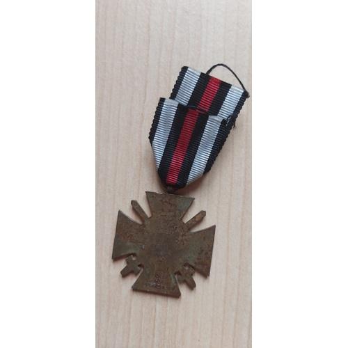 209 - German medal Cross of Hindernberg WW1 & Painting...