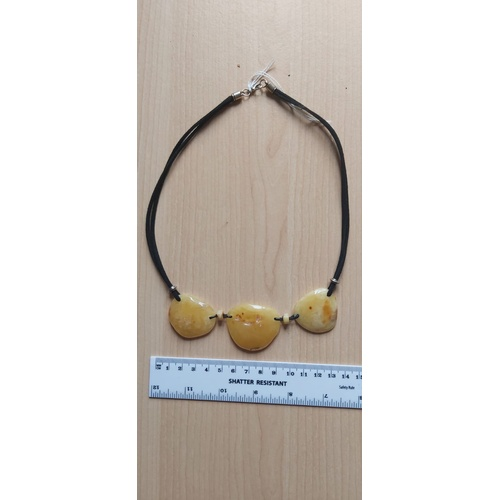 494A - Amber necklace...