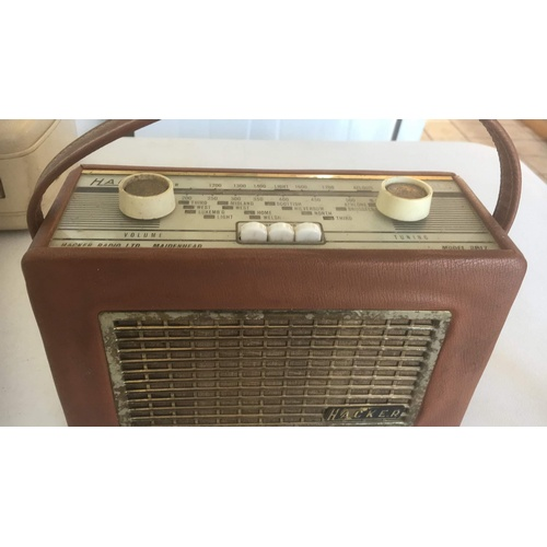 318 - Vintage Hacker Mini Herald radio GWO...