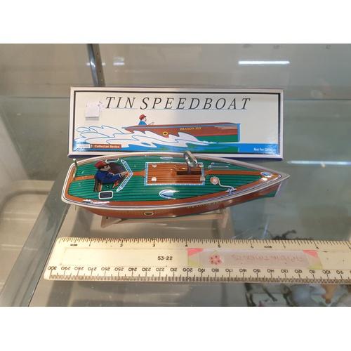 25 - Tinplate Clockwork speed boat...