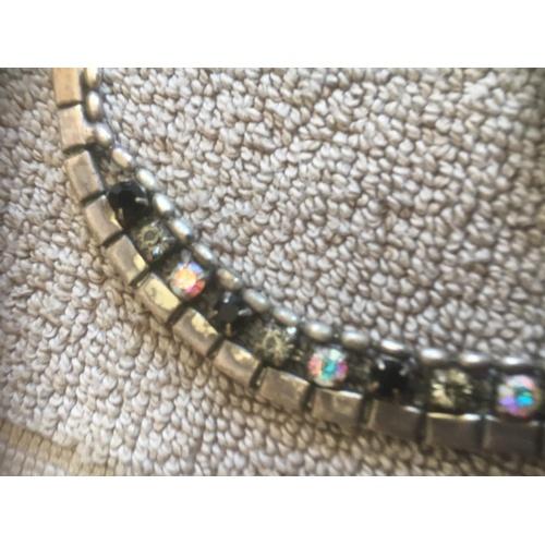 112 - Deco Necklace & brooch...