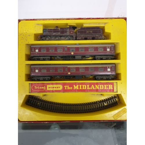 376 - TRIANG HORNBY RS8 The MIDLANDER TRAIN SET LMS 0-6-0 CLASS 4F LOCO 3775...