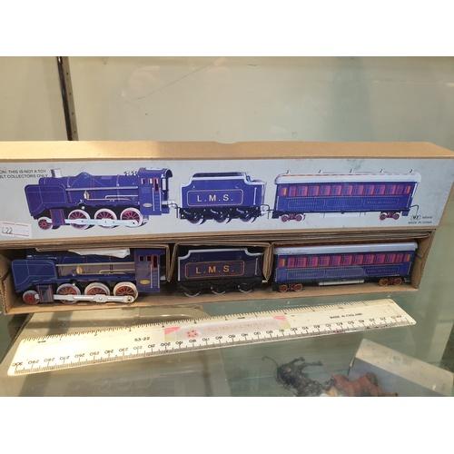 44 - Tinplate Clockwork LMMS train...