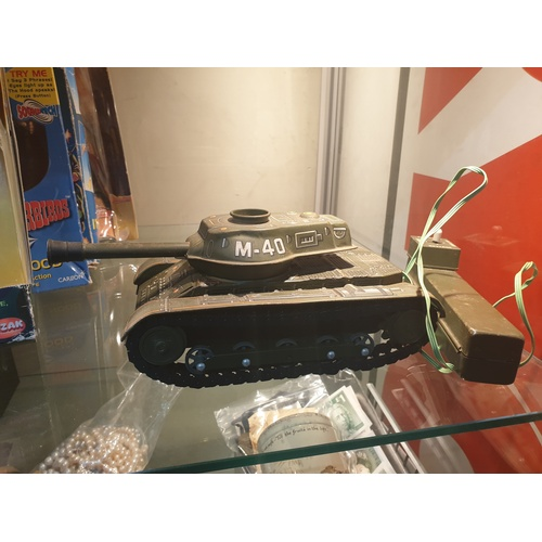 39 - Tinplate 1960s Japanese M-40 battery operated tank...