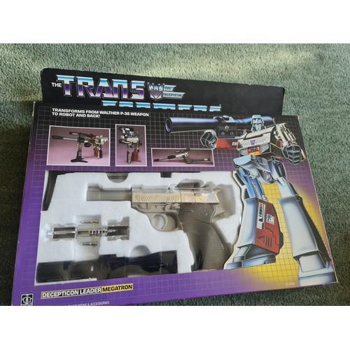 48 - Vintage Transformers Megatron Decepticon Leader Walther P38 Hasbro 1984...
