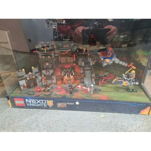 1 - Lego Nexo Knights 70323 Light Up Shop Display...