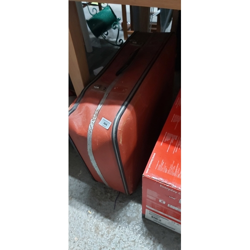 464 - 2 old suitcases