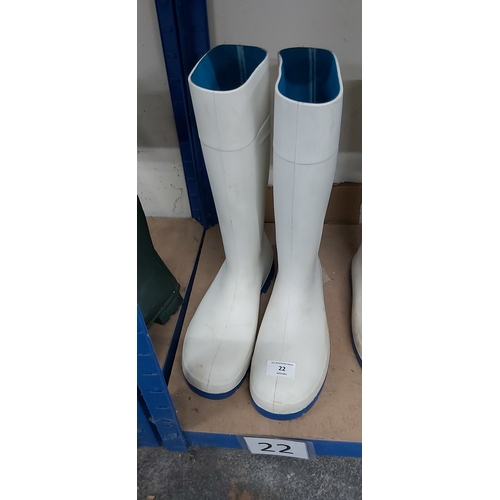 22 - S11 safety wellies