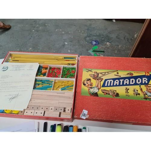 336 - Korbuly Matador wood construction set