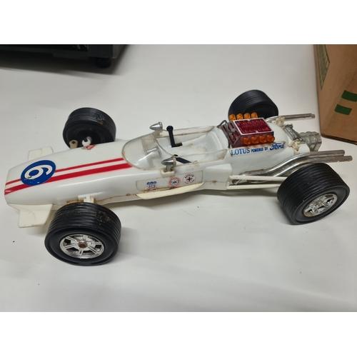 40 - 1970s Hong Kong Battery racing car working