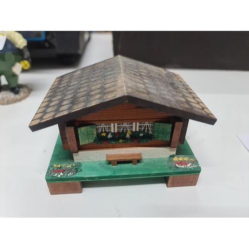 8 - Music box Edelweiss