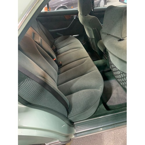 22 - MERCEDES 300SE, (W126 MODEL), 1987, FORREST GREEN, GREY/GREEN VELOUR. VERY CLEAN CAR, NCT 06/22, TAX...