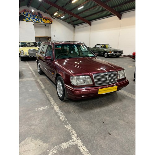 15 - MERCEDES 200TE ESTATE,(W124 Model), 96, 174K, DEEP RICH RED, WITH CREAM CLOTH INTERIOR, NCT'd (WITH ...