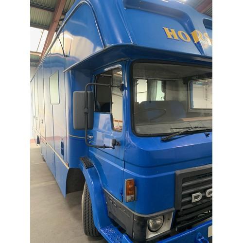 16 - Dodge 100 Classic 'Commando' Horse Box/Lorry, 1983, Blue with Twin Axle-rigid Body. A very impressiv...
