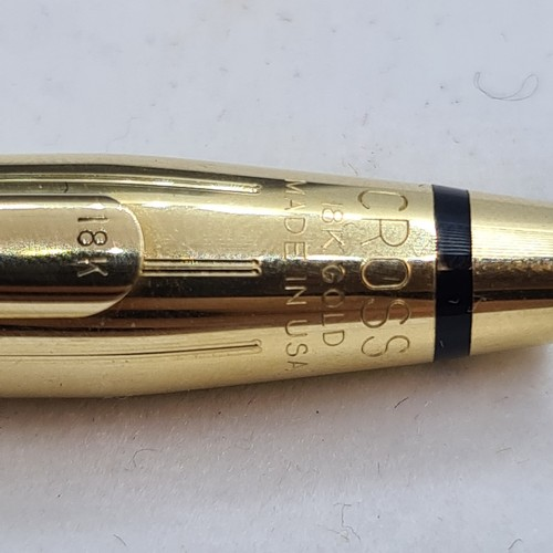 442 - 18ct solid Gold Cross Fountain pen with inner and outer boxes. With a full bottle of Cross ink. 38g ...