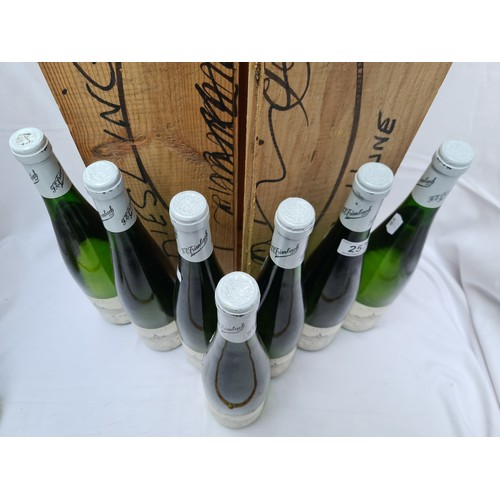 257 - Clos Ste Hune, FE Trimbach, Riesling 1983, Alsace 7 x bottles. This is a single variety Riesling pla...